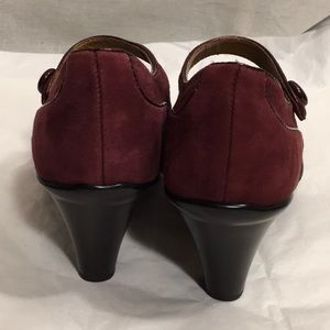 "Sofft Shoes - NEW 6 Red Wine Suede SÖFFT Mary Jane 3"" Heels"